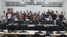 Bolsista de Ciência da Computação promove minicurso aos alunos da ETEC