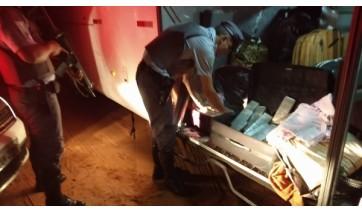 Passageira de ônibus é presa com mais de 35 kg de maconha na bagagem