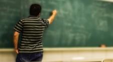 Educação de SP paga abono de 2019 a professores nesta sexta-feira