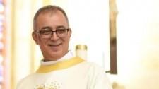 Após contrair Covid-19 e ficar na UTI, padre Carlos tem alta hospitalar em Goiás
