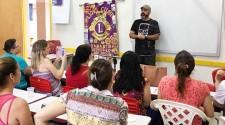 Lions Clube promove palestra motivacional aos profissionais da educação