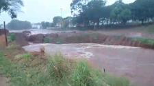 Chuva e vento provocam estragos e alagamentos em Adamantina
