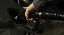 Gasolina sobe 4% nas refinarias e preço nas bombas deve sofrer impacto do reajuste