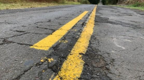 Prefeitura faz tapa buracos e sinalização de solo em 26 km da Plácido Rocha