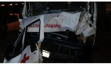 Veículo estava apenas com o motorista, que sofreu ferimentos leves (Fotos: Prefeitura de Sandovalina).