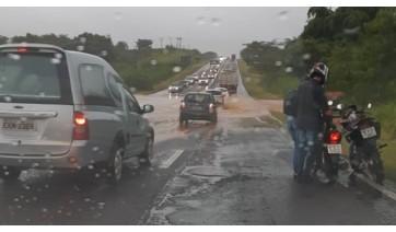 Ponto de alagamento na SP-294, entre Junqueirópolis e Dracena (Foto: Márcio Corrêa/Cedida).