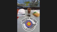 PM prende homem de 26 anos quando desenterrava tijolo de maconha em terreno
