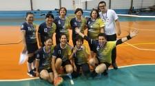 Voleibol adaptado feminino é campeão e time masculino conquista 2° lugar na Liga LAVOP