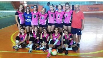 Voleibol de Adamantina vence Junqueirópolis pela Liga entre Amigos
