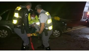 Duas pessoas se feriram levemente e foram socorridas ao pronto-socorro da santa Casa de Adamantina (Cedida/PM Rodoviária).