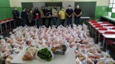 Mariápolis faz segunda entrega dos kits de alimentação escolar e hortifruti