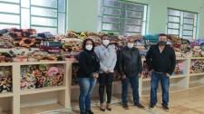 Prefeitura de Mariápolis recebe doação de 320 cobertores