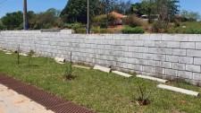 Em Mariápolis, muro da Creche-Escola Municipal Rute de Oliveira Casoti é danificado por vândalos