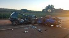 Batida entre carro e caminhão deixa 4 mortos e 5 feridos da mesma família na região