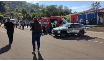 Equipes foram mobilizadas para socorrer vítimas. Adolescente, autor das mortes, foi apreendido  (Foto: Simone Fernandes/Arquivo Pessoal/Reprodução: G1).