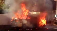 Inc�ndio destr�i perua Kombi