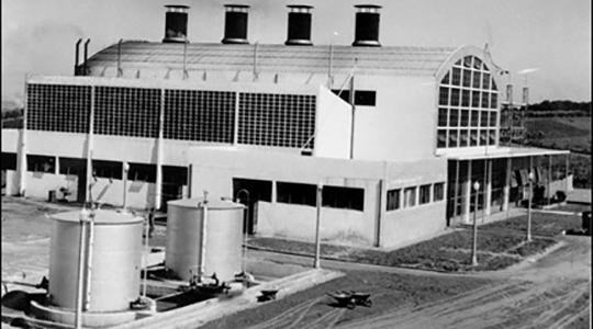 Usina Termo Elétrica Francisco Machado de Campos, apelidada ?Chernobyl?, construída em Flórida Paulista na década de 50 para abastecer cidades da região (Arquivo).