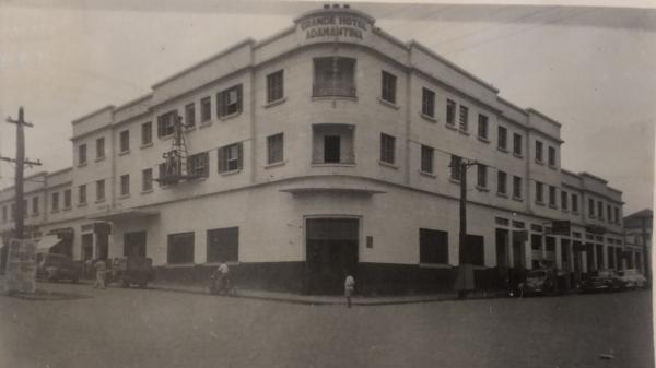 Grande Hotel Admantina, hoje Villa Verde Hotel, no centro da cidade (Acervo pessoal).