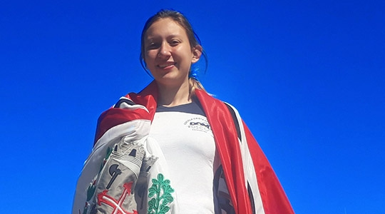 Aos 15 anos, Júlia Barbosa se destaca no cenário do atletismo, sobretudo nas modalidades de lançamento de disco e arremesso de peso (Imagem: Acervo Pessoal).