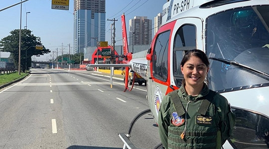 1ª tenente Mayara Tanaka, nova comandante do helicóptero Águia da Polícia Militar de São Paulo (Fotos: Johnny Muga de Chiara).