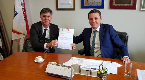 Prefeito Márcio Cardim com o deputado federal, Fausto Pinato (Acervo Pessoal).
