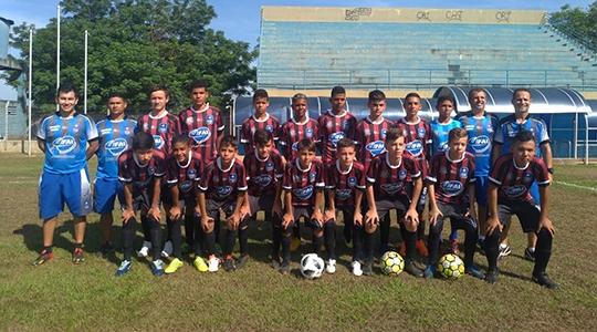 Equipe Sub 11 do Projeto Universidade de Futebol venceu por 1 a 0 a equipe Los Angeles do Mato Grosso do Sul (Da Assessoria).