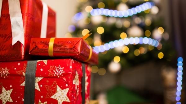 Sobre a compra de presentes, Procon-SP reúne dicas que vão auxiliar o consumidor a evitar problemas (Imagem: Pexels).