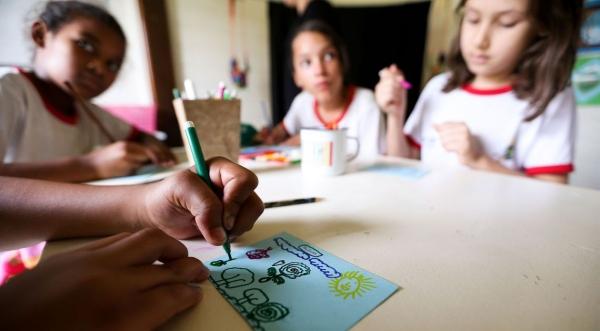 Conforme o entendimento da maioria dos ministros do STF, a Constituição prevê apenas o modelo de ensino público ou privado, cuja matricula é obrigatória (Foto: Marcelo Camargo/Agência Brasil).