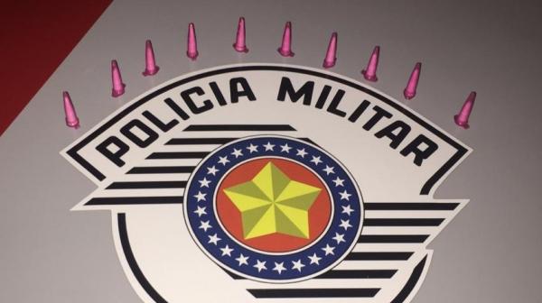 Homem carregava consigo 10 pinos de cocaína e recebeu voz de prisão em flagrante pela Polícia Militar (Divulgação/PM).
