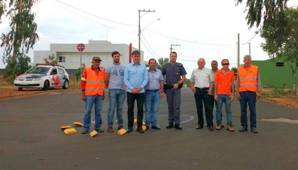 Autoridades vão à Santos Dumont para avaliação e implantação das medidas de segurança viária (Foto: Assessoria de Imprensa).