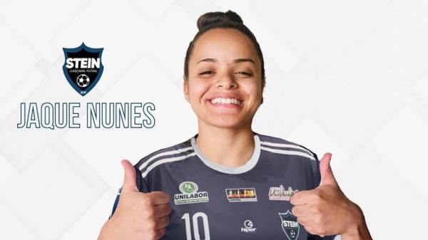 Adamantinense de 20 anos confirma para 2021 trajetória de sucesso no futsal feminino em time paranaense (Divulgação/Stein).