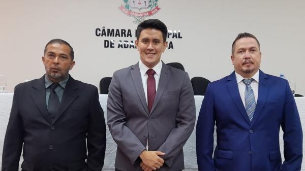 Vereadores Bigode da Capoeira, Alcio Ikeda e Rafael Pacheco, bancada do Podemos na Câmara Municipal de Adamantina (Divulgação).