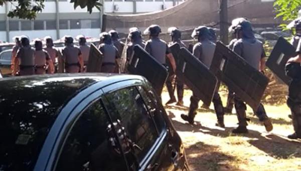 Presos fazem rebelião com reféns na penitenciária de Lucélia (SP)