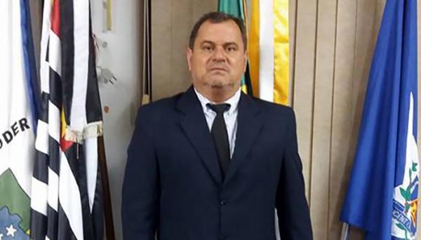 Vereador Mirão cobra da Prefeitura que atue junto aos empreendedores, para que seja realizada a recuperação da infraestrutura de pavimentação asfáltica em novos loteamentos  (Foto: Acervo Pessoal).