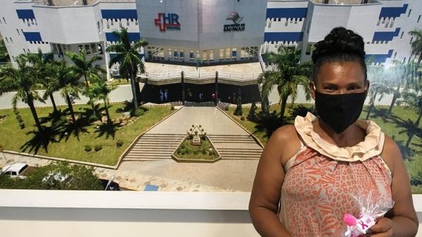A paciente Marcia Regina da Silva destaca os serviços e o acolhimento humanizado realizados pelo HR (Da Assessoria).