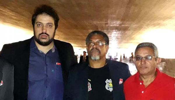 Daniel Grandolfo, José Cícero de Souza, o Lobó, e Edson Chagas, o Cebolinha, em Brasília, no dia anterior à tragédia (Foto: Sindasp).