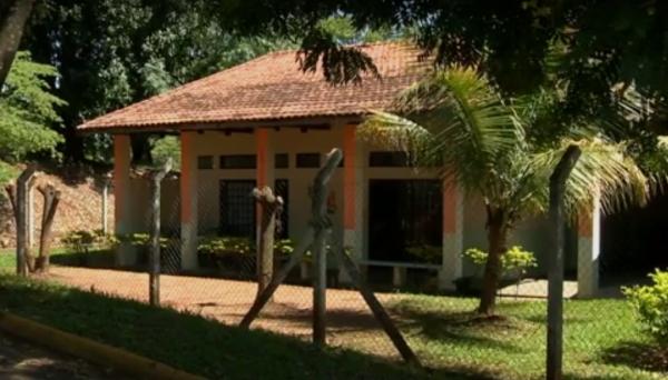 Escola Municipal de Educação Infantil (EMEI) Sonho de Criança, localizada no Bairro Mário Covas, onde o menino era atendido (Reprodução/TV Fronteira).