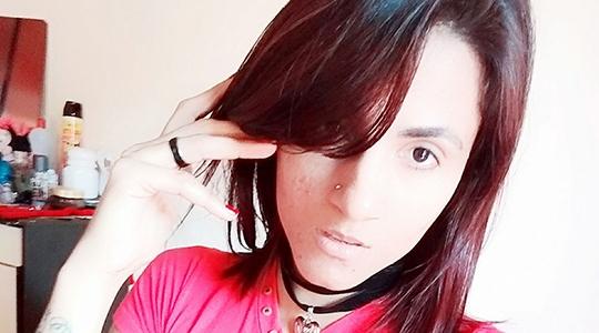 Mulher foi morta pelo ex-companheiro diante do filho (Reprodução/Facebook).