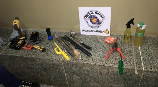 Objetos que foram apreendidos na operação da Polícia Militar (Cedida/PM)