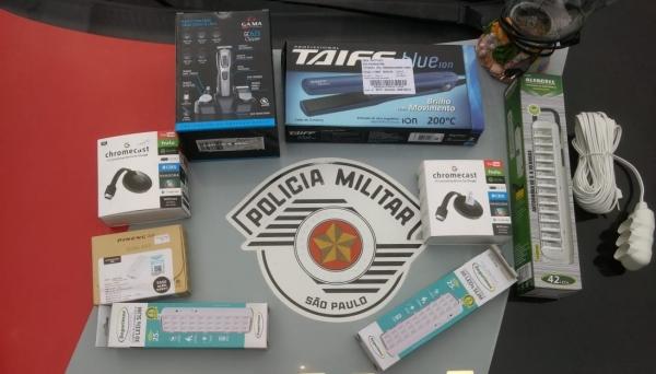 Objetos furtados no comércio de Adamantina foram recuperados pela Polícia Militar. Autor dos furtos foi preso (Foto: Cedida/PM).