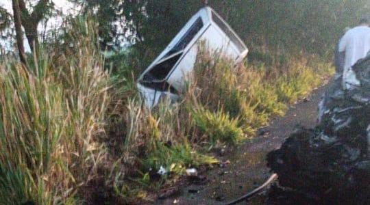 Fiat Uno envolvido no acidente, onde estava a vítima fatal (Reprodução/Panorama Notícia).