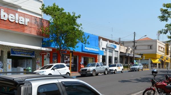 Comércio de Adamantina vai funcionar no feriado de aniversário da cidade, neste sábado, 13 de junho (Foto: Siga Mais).