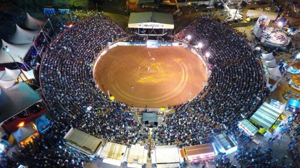 Adamantina Rodeo Festival mostra sua força e recoloca a cidade na rota dos grandes eventos, com reflexos sociais para a cidade e região (Foto: Renan Matheus).