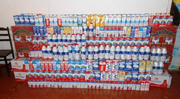 Os 1.648 litros de leites arrecadados na campanha da Assembleia de Deus foram repassados à Clínica PAI Nosso Lar, que atende 100% SUS (Divulgação).