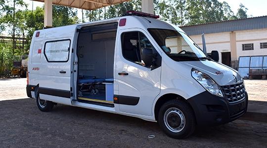 Secretaria da Saúde de Adamantina recebe nova ambulância (Da Assessoria).