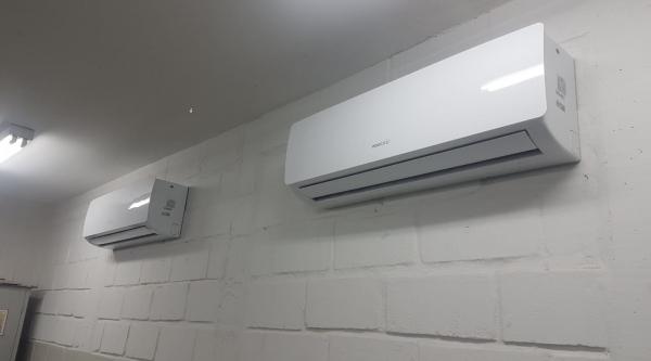 Secretaria de Educação entregou até esse mês 164 aparelhos de ar condicionado para todas as escolas municipais (Da assessoria).