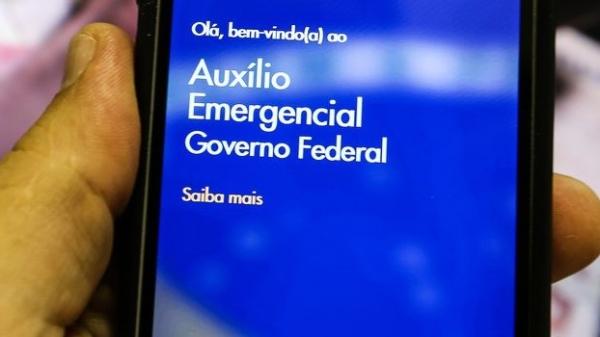 Mensagens de SMS foram enviadas pelos números 28041 ou 28042 (Foto: Marcello Casal Jr/Agência Brasil).