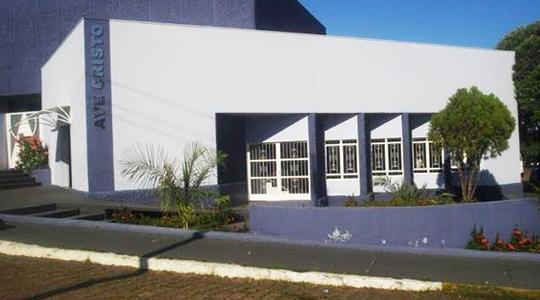 Ave Cristo fica na Avenida Capitão José Antônio de Oliveira, 151, centro de Adamantina (Divulgação).