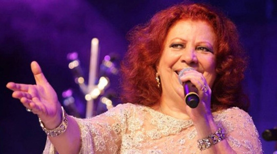 Com mais de 50 anos de carreira e dezenas de discos gravados, Beth Carvalho é um dos maiores nomes do samba. Artista morreu nesta terça-feira (Reprodução).