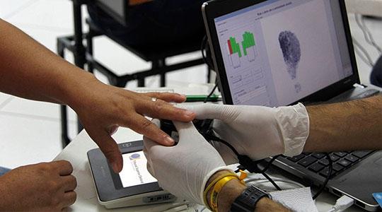 Eleitores de Adamantina, Mariápolis e Flórida Paulista devem fazer o cadastramento biométrico no Cartório Eleitoral de Adamantina. Prazo termina 19 de dezembro (Foto: Dani Valente / Ascom Fasepa).